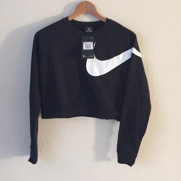 nike swoosh cropped hoodie